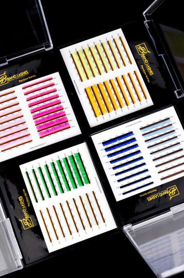 color lashes van Brand Lashes
